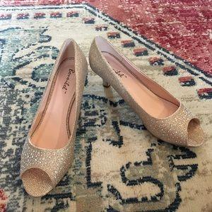 Prom Perfect!  Gold Open Toe Heels - EUC